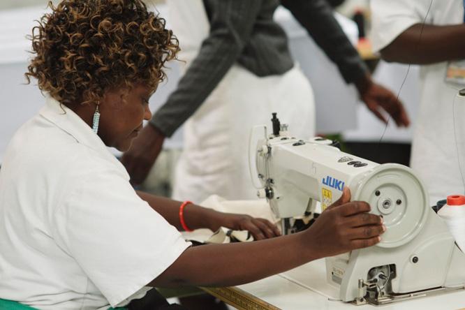 uma-oportunidade-entender-fair-trade-com-stella-mccartney-e-ethical-fashion-initiative-1